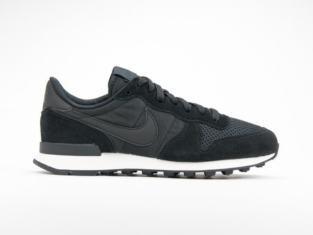 Nike Internationalist SE...