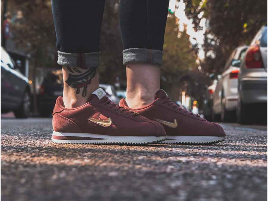 finest selection 8025a d5957 NIKE WOMEN S NIKE CORTEZ BASIC JEWEL 18 RED SEPIA-MTLC GOLD ...