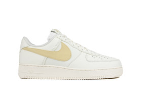 NIKE AIR FORCE 1 07 PREMIUM 2...