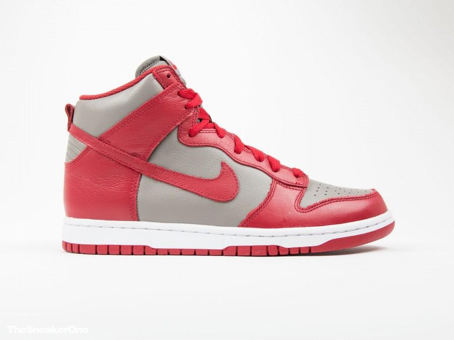 Nike Dunk Retro QS