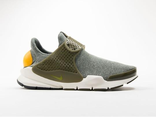 the latest 3cec5 15ef7 Women's Nike Sock Dart SE Shoe