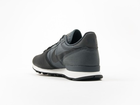 Nike Internationalist PRM SE Black-882018-001-img-3